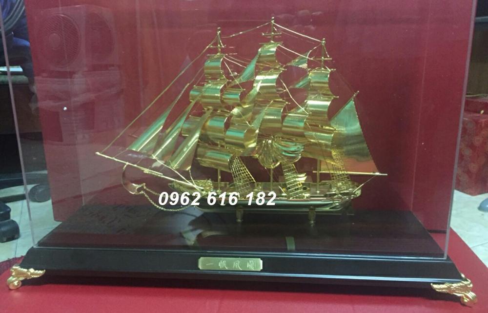 Mô hình thuyền mạ vàng 24k
