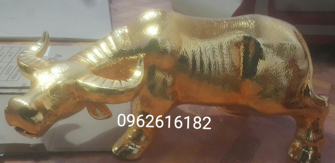 Tượng trâu vàng mạ vàng 24k